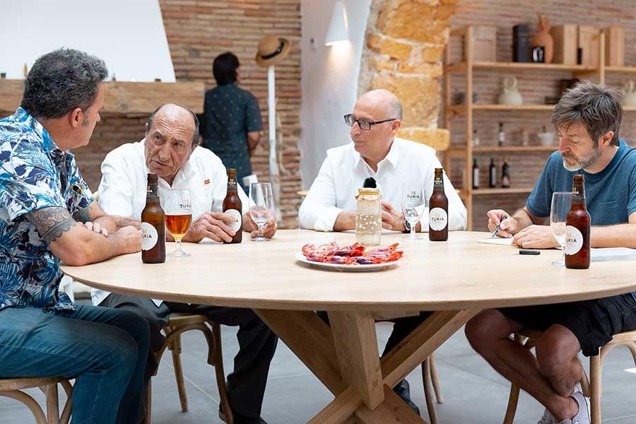Els Magazinos junto a Paco Roca dibujan la historia gastronómica de Dénia