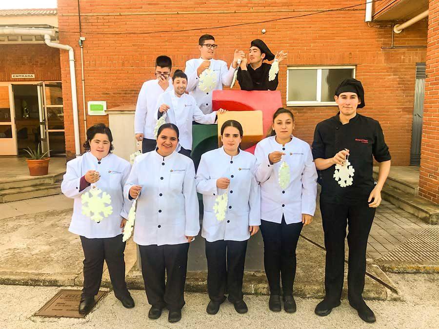 Nace la colaboración entre Els Magazios, el Colegio de Educación Especial Raquel Rayá y Aprosdeco.